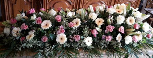 Dessus de cercueil en fleurs fraîches pour Eternel Jardin